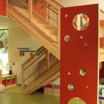 Treppenanlage mit Spielelementen. Uni Kita Oldenburg